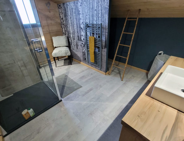 salle-de-bain-etage2-chalet-milien