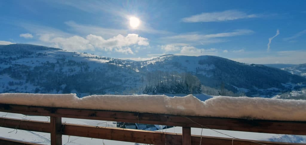 Vue de la terrasse du Chalet Milien, hiver 2021